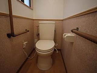 トイレの立ち座りを楽に